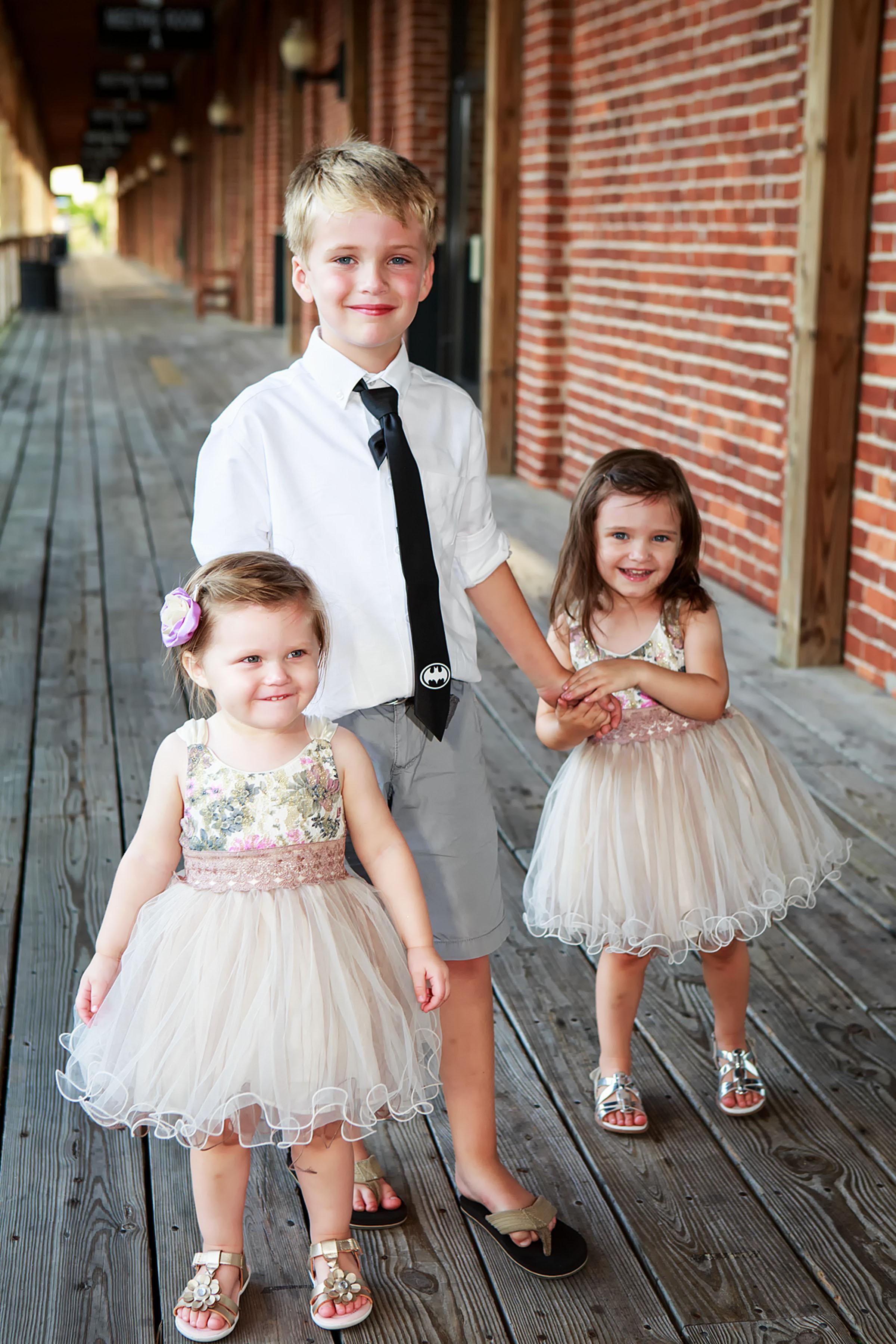 North_Carolina_Wedding_Photographer_Tiffany_Abruzzo_Reception_013.jpg