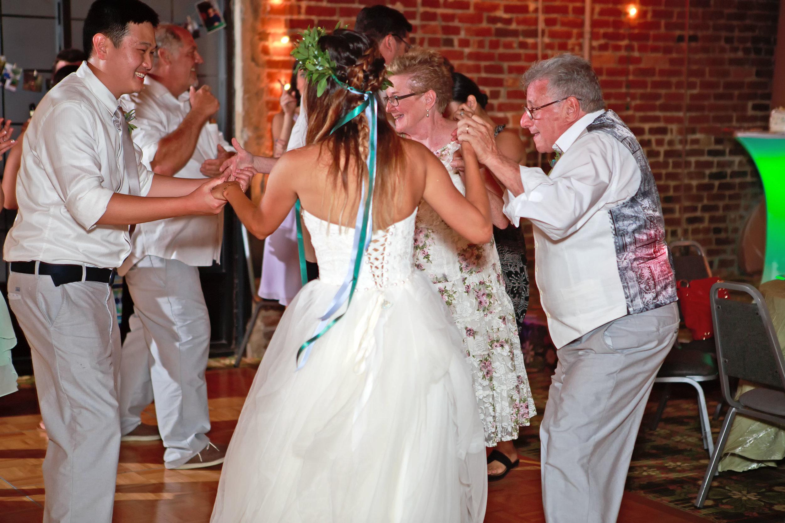 North_Carolina_Wedding_Photographer_Tiffany_Abruzzo_Reception_126.jpg