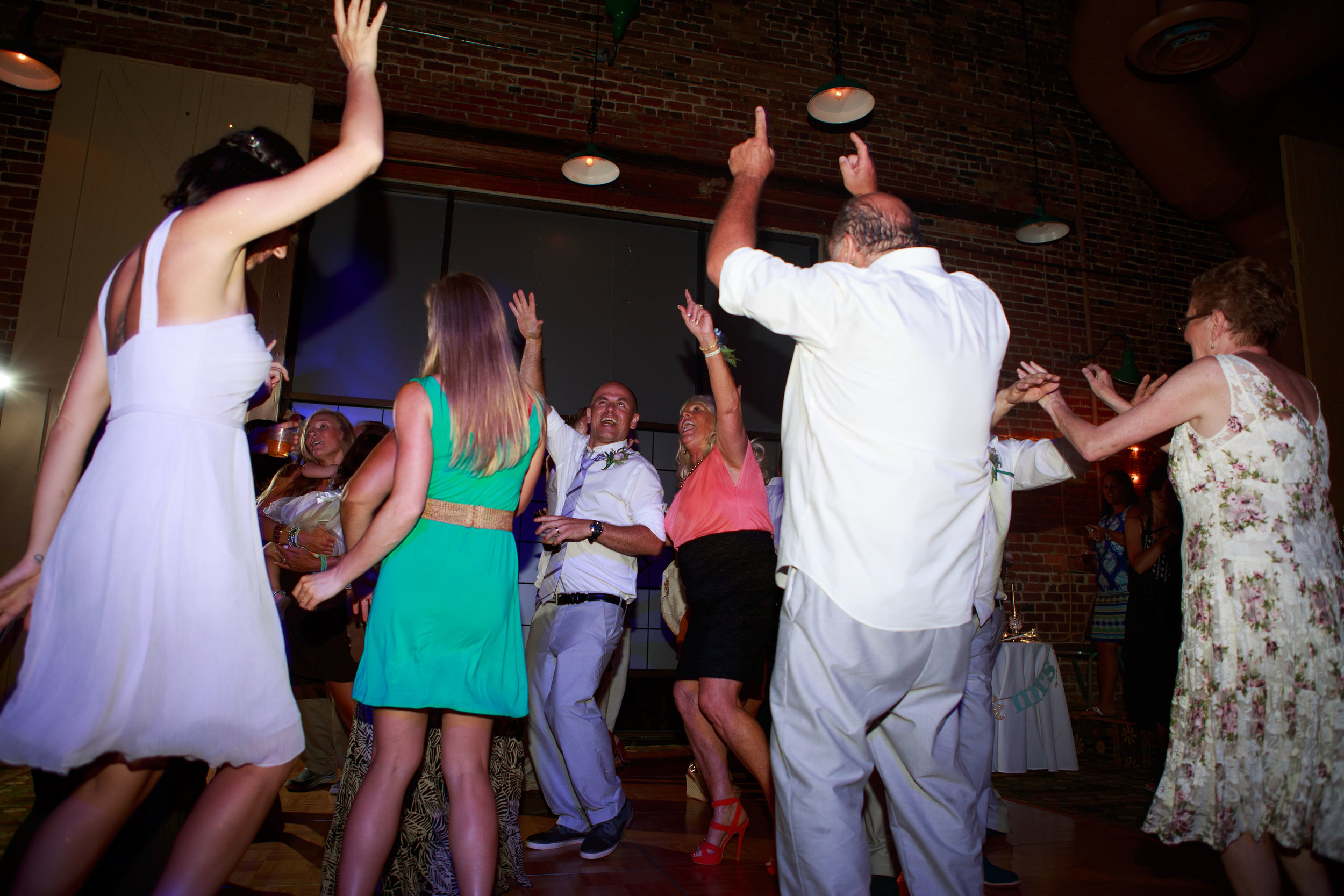 North_Carolina_Wedding_Photographer_Tiffany_Abruzzo_Reception_247.jpg