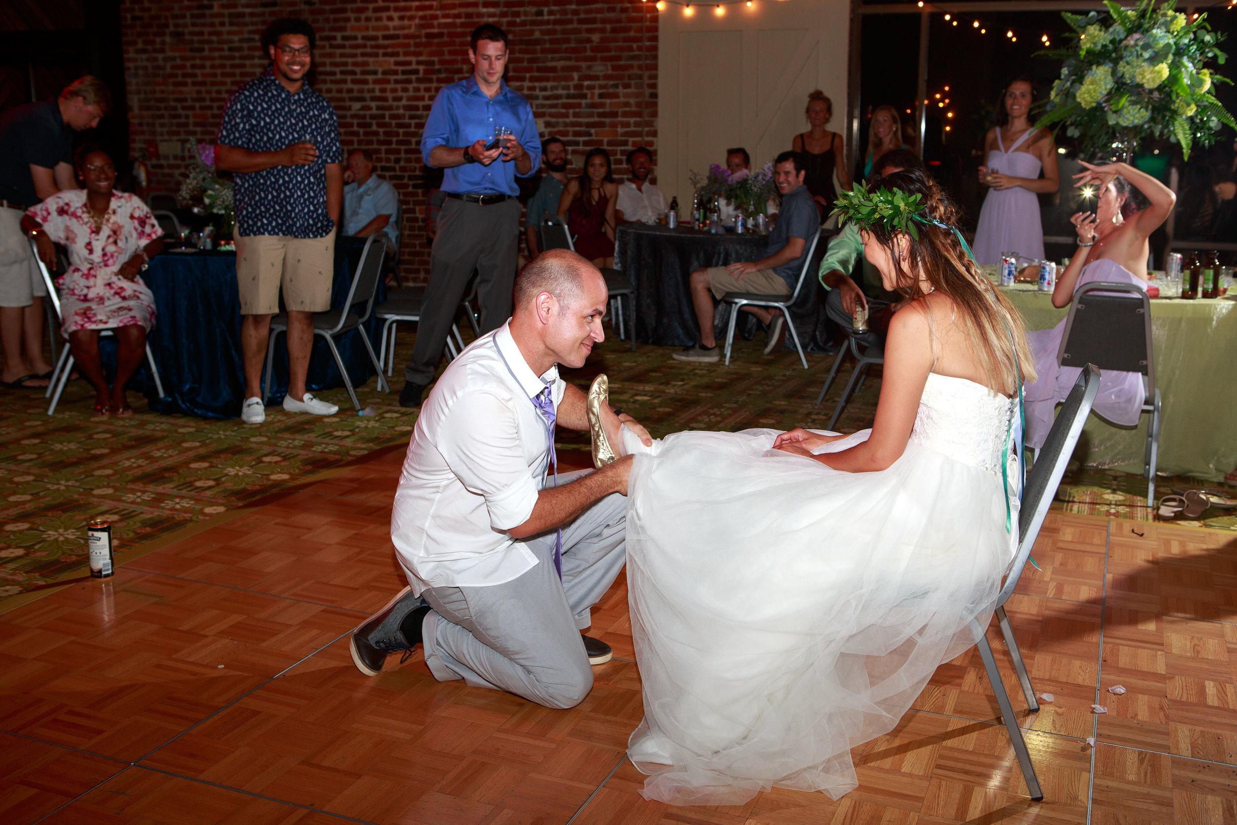 North_Carolina_Wedding_Photographer_Tiffany_Abruzzo_Reception_290.jpg