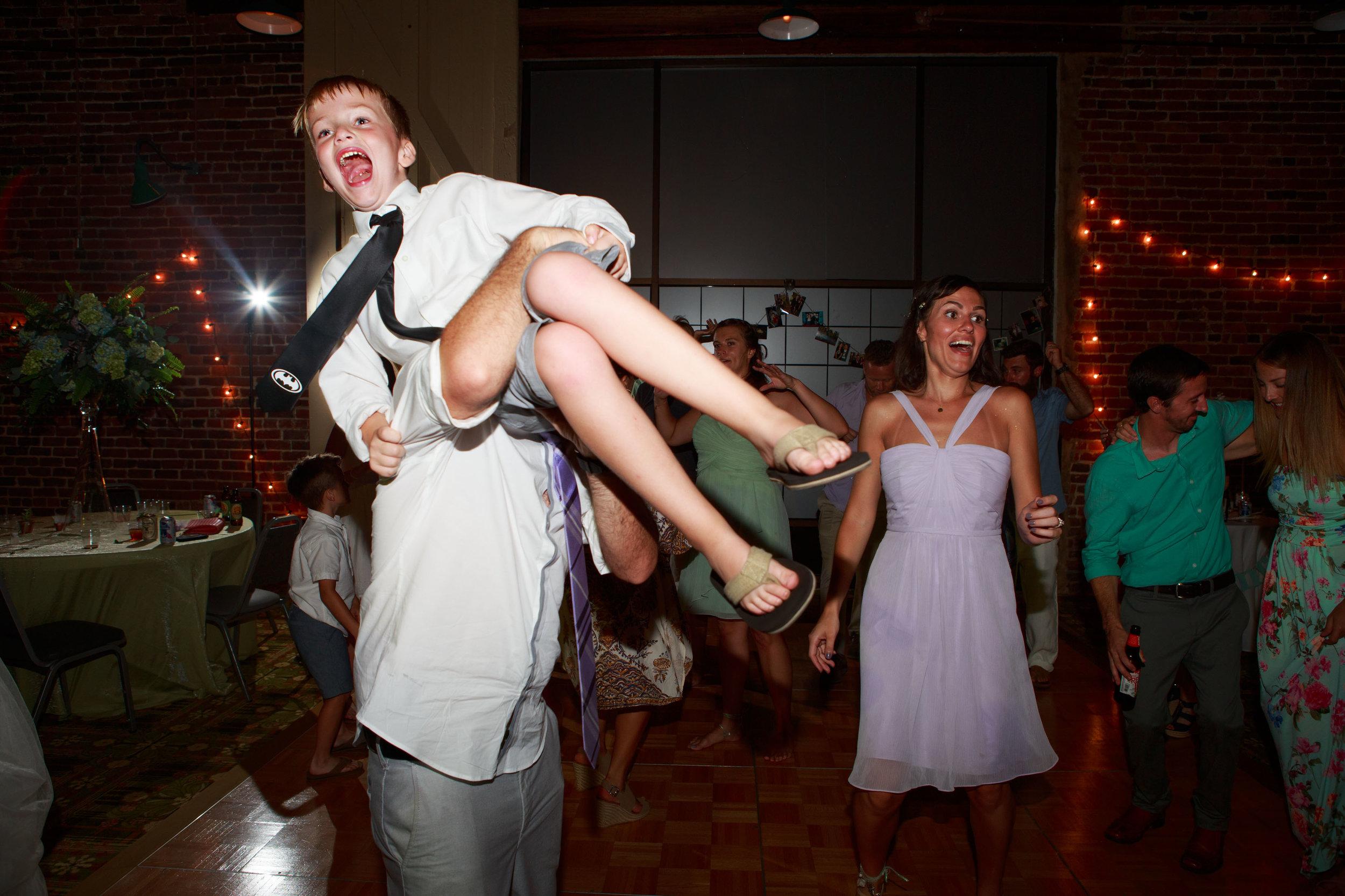 North_Carolina_Wedding_Photographer_Tiffany_Abruzzo_Reception_318.jpg