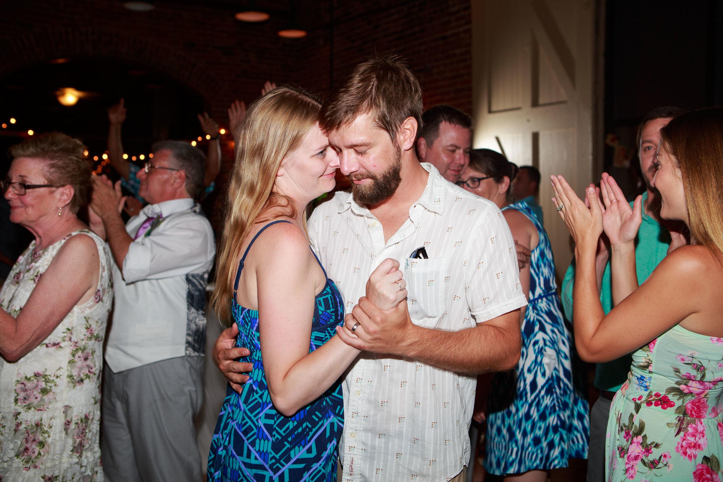 North_Carolina_Wedding_Photographer_Tiffany_Abruzzo_Reception_321.jpg