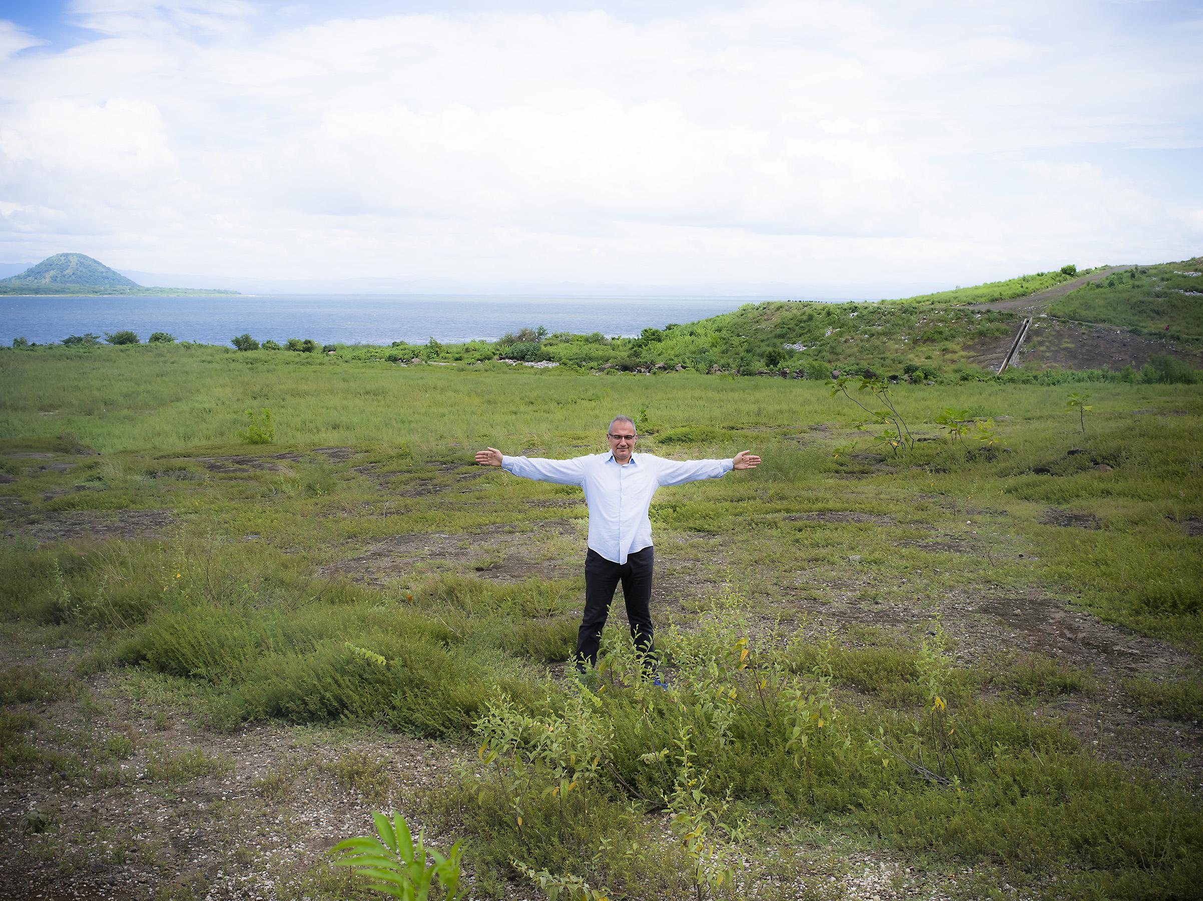 Antonis showing La Chureca and Lake Managua.