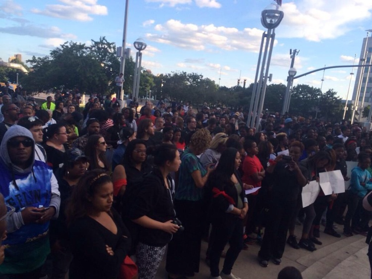 @HuffPostDetroit: Large crowd gathers in #Detroit for #NMOS14 after Ferguson  http://t.co/aj21M3Yceu