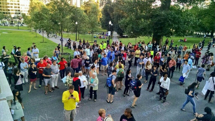 @YourAnonGlobal: Crowds gathering in #Boston to remember #RIPMikeBrown & other victims of #police brutality. #copblock #Ferguson  http://t.co/3AavFCt6Ja