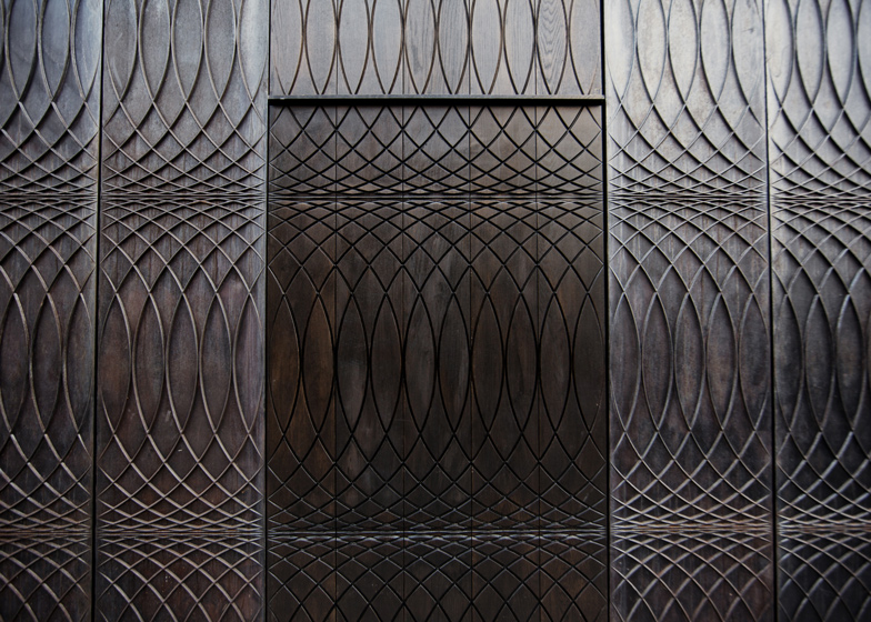 Paul-Smith-Albemarle-Street-store-facade-by-6a-Architects_2.jpg