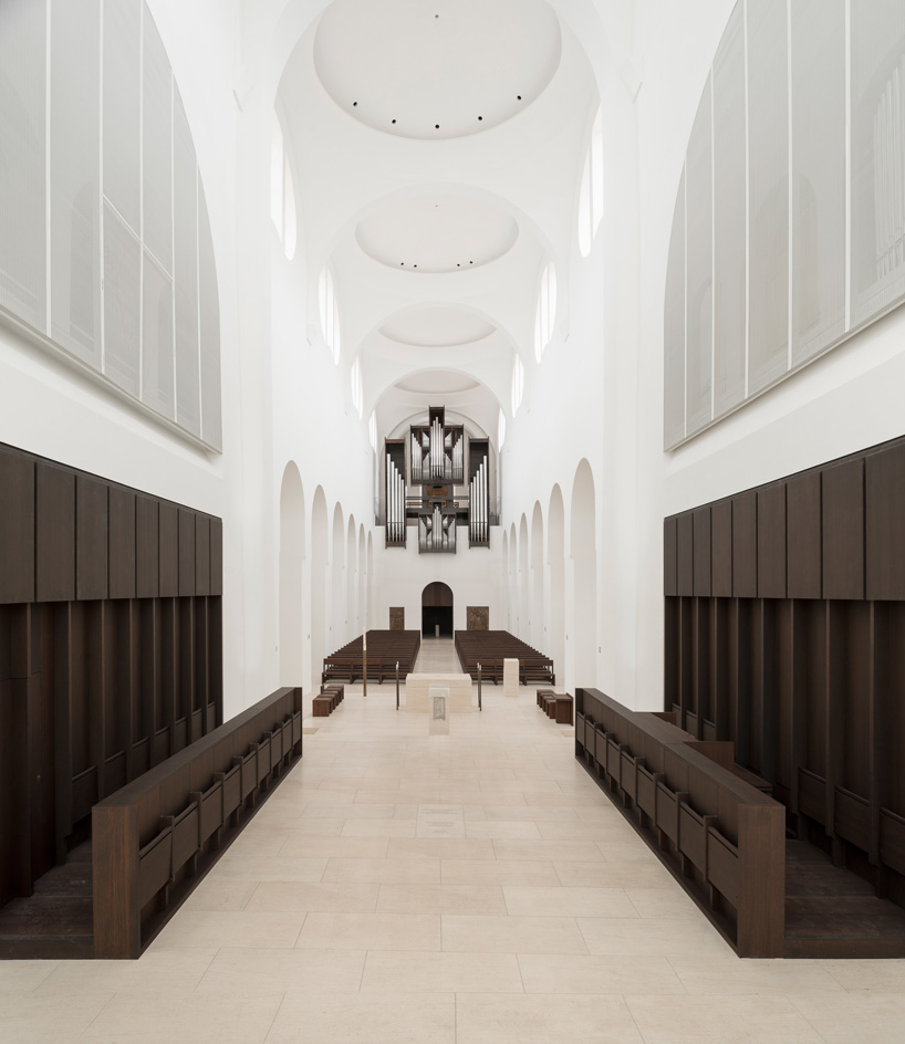 The-Architects-Choice-john-pawson-st-moritz-church-02.jpg