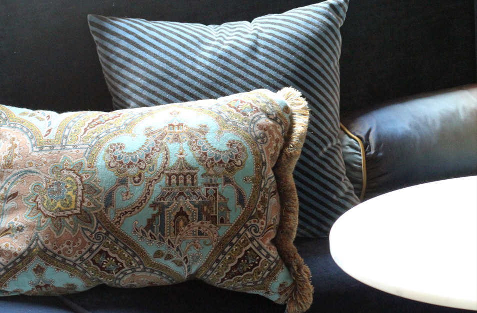 Styling and interior decor by Melissa Collison; Interior design by others.