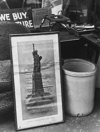 Ellen Auerbach Statue of Liberty, New York, 1938 10 x 8 inches silver print
