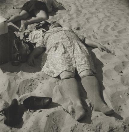 Sid Grossman Coney Island, 1948 2.25 x 2.25 inches vintage silver print
