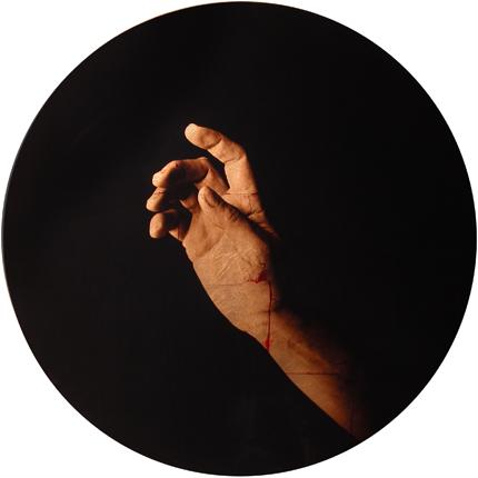 Estudio de la Anunciación de del Sarto, 2006 (in collaboration with Graciela de Oliveira) Panel 2: 30 inches in diameter detail view of triptych archival pigment print