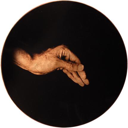 Estudio de la Anunciación de Reni, 2006 (in collaboration with Graciela de Oliveira) Panel 3: 30 inches in diameter detail view of triptych archival pigment print
