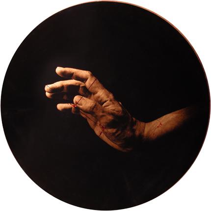 Estudio de la Anunciación de Botticelli, 2006 (in collaboration with Graciela de Oliveira) Panel 2: 30 inches in diameter detail view of polyptych archival pigment print