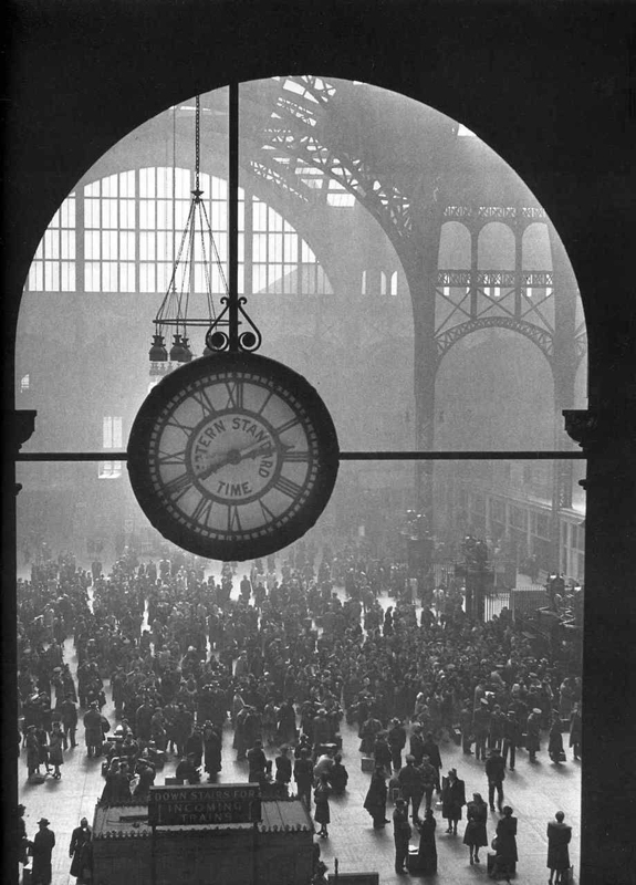 Alfred Eisenstaedt    Farewell to Service Men, Penn Station , 1943  Silver print  20 x 16 inches  Edition of 250