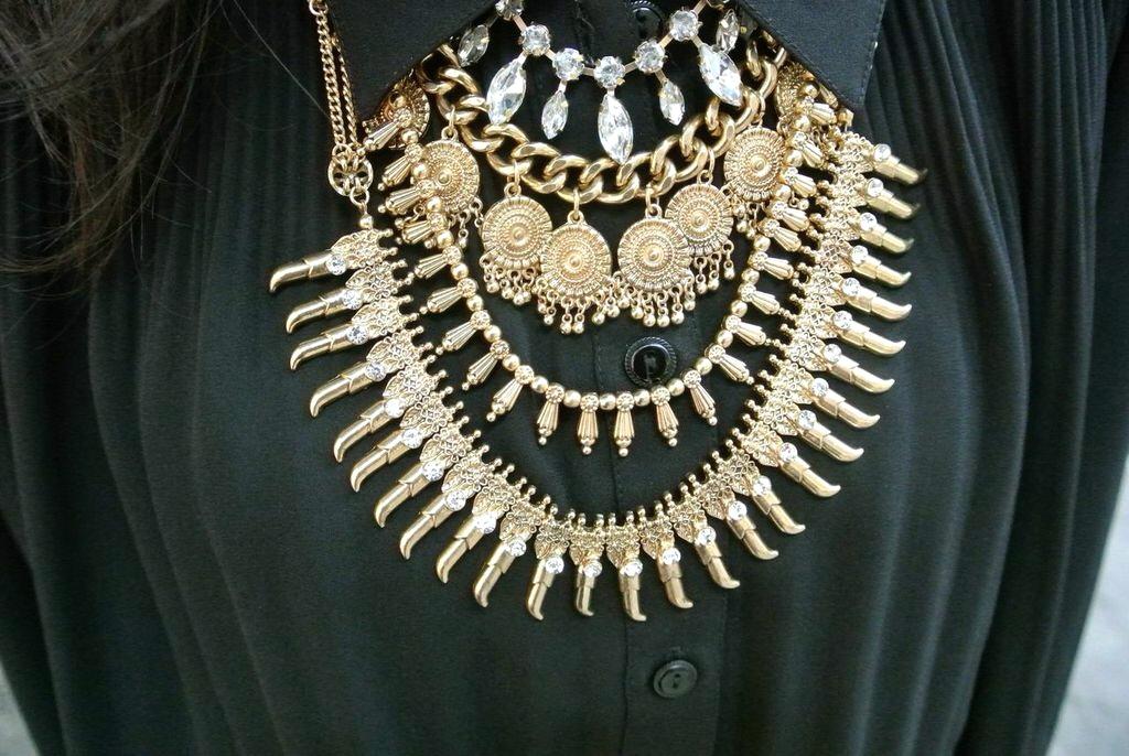 baublebar medallion necklace