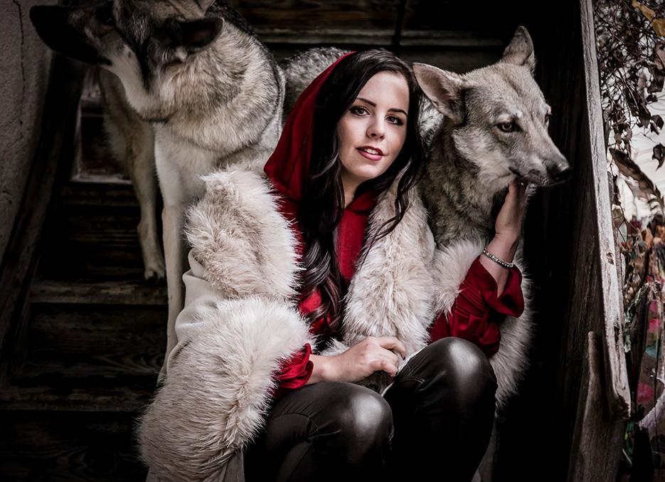 Carmela_wolfes-2_small.jpg
