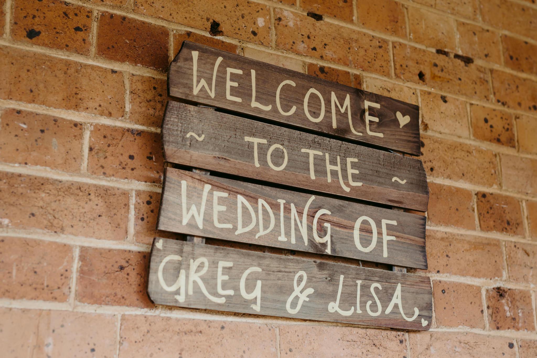 Erin Latimore Mudgee Canberra Wedding Photographer ROSEBANK GUESTHOUSE OLD THEATRE TONIC MILLTHORPE_106.JPG