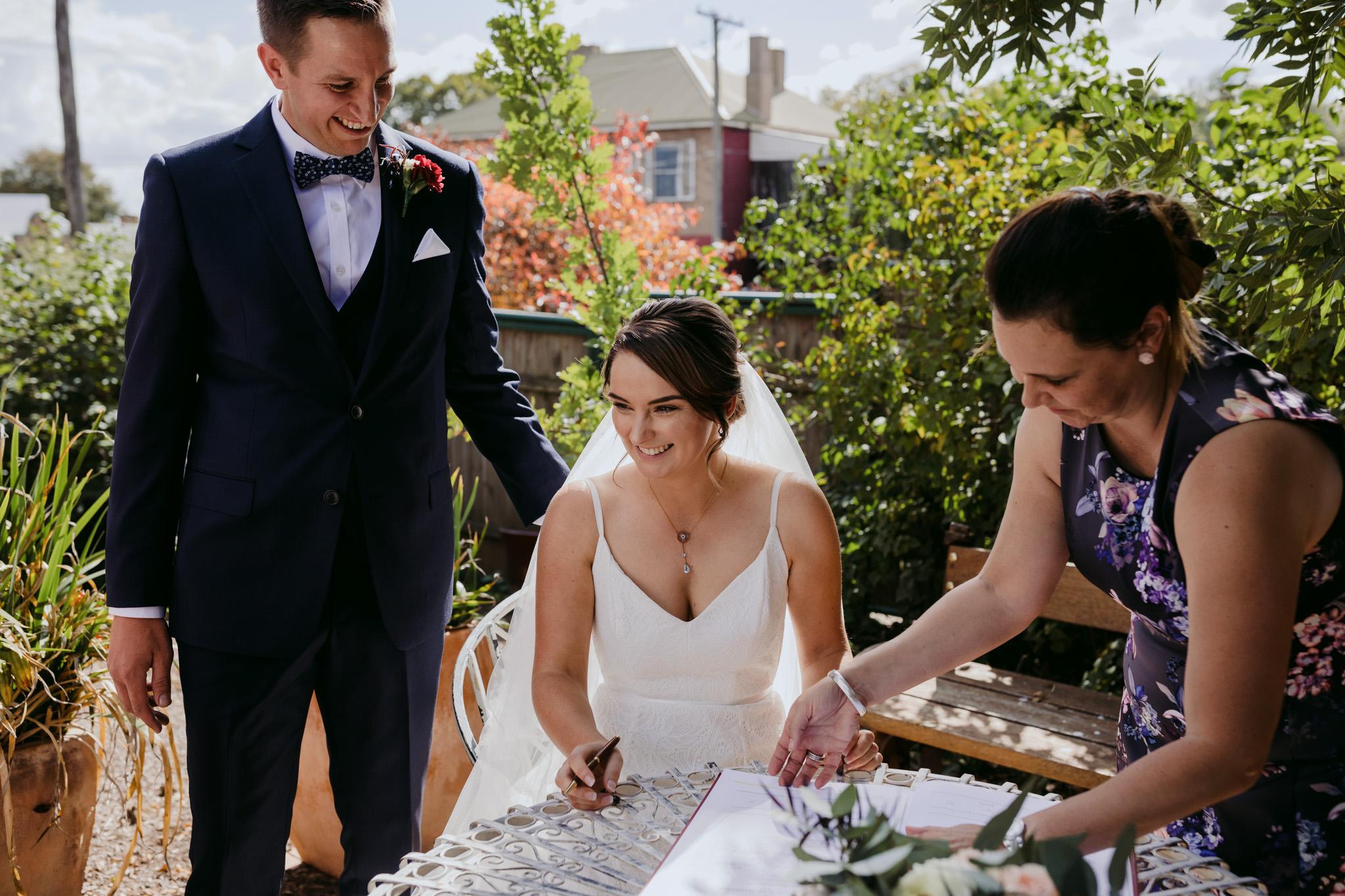 Erin Latimore Mudgee Canberra Wedding Photographer ROSEBANK GUESTHOUSE OLD THEATRE TONIC MILLTHORPE_269.JPG