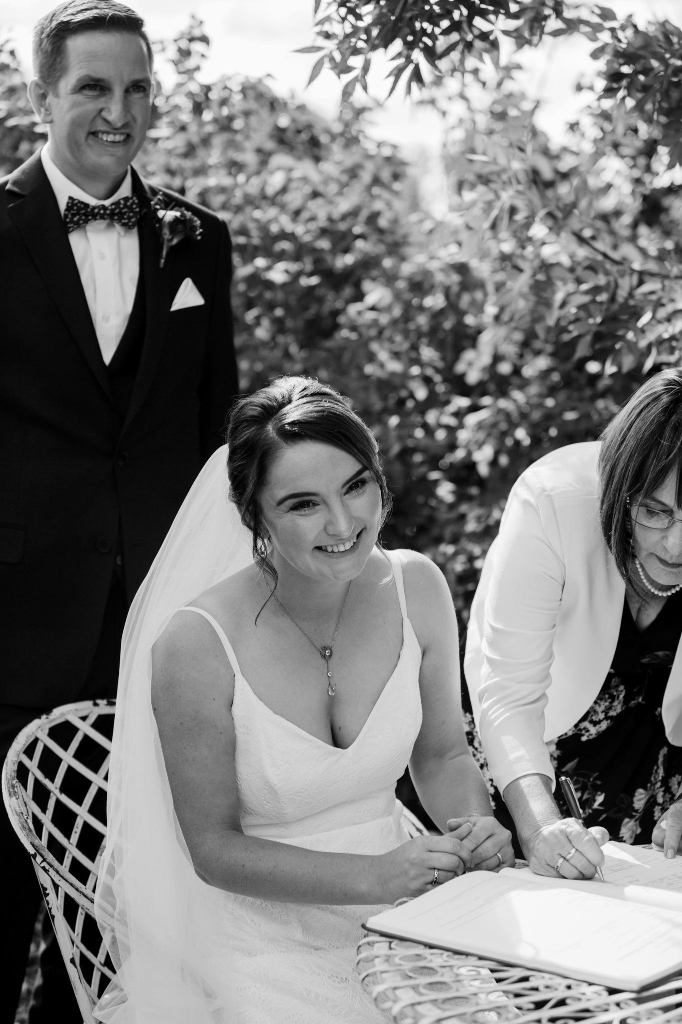 Erin Latimore Mudgee Canberra Wedding Photographer ROSEBANK GUESTHOUSE OLD THEATRE TONIC MILLTHORPE_276.JPG