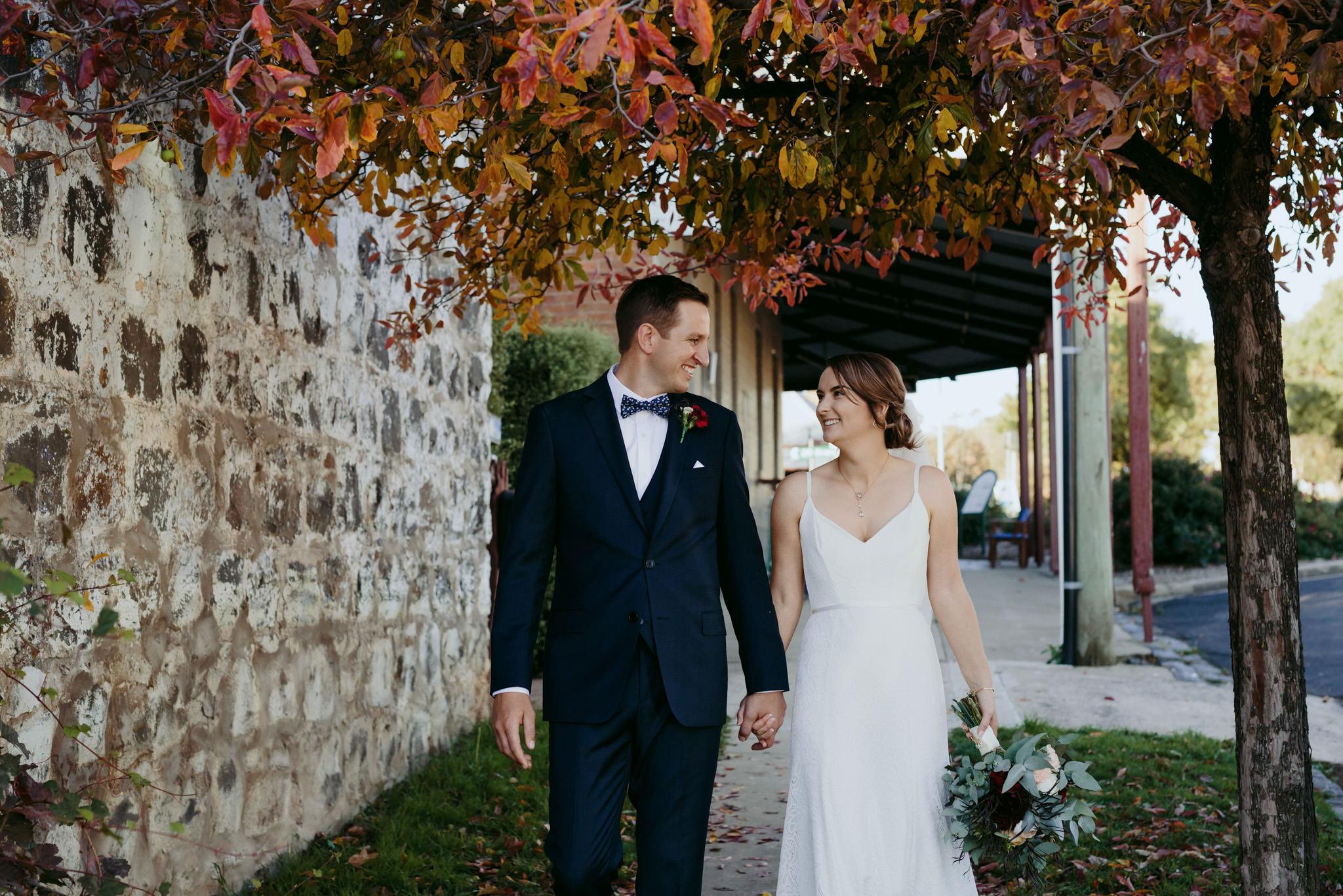 Erin Latimore Mudgee Canberra Wedding Photographer ROSEBANK GUESTHOUSE OLD THEATRE TONIC MILLTHORPE_510.JPG