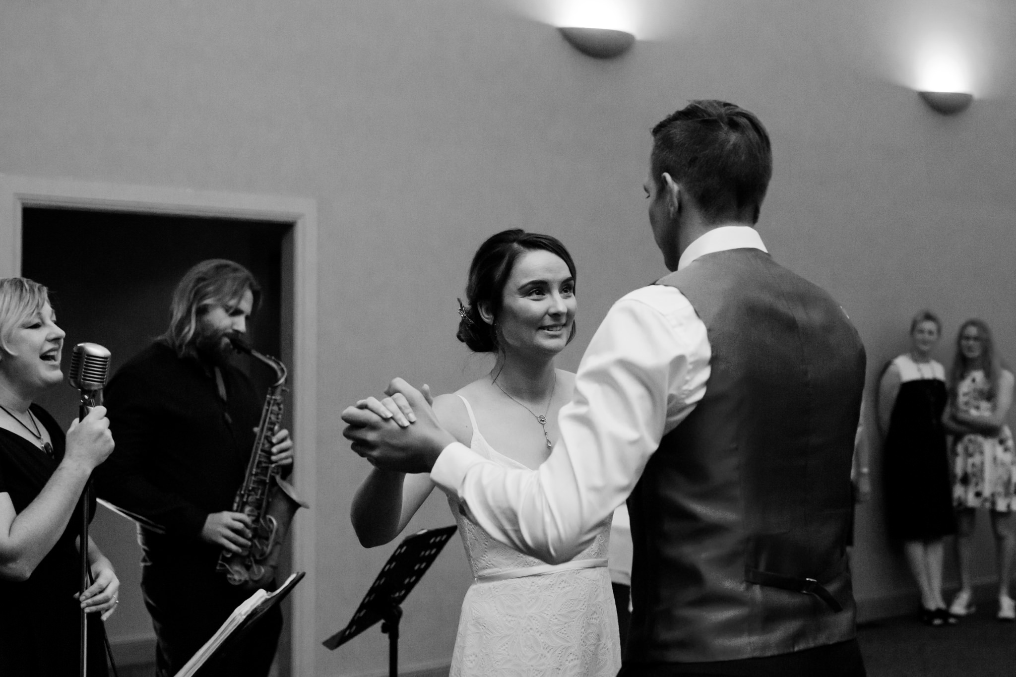 Erin Latimore Mudgee Canberra Wedding Photographer ROSEBANK GUESTHOUSE OLD THEATRE TONIC MILLTHORPE_790.JPG