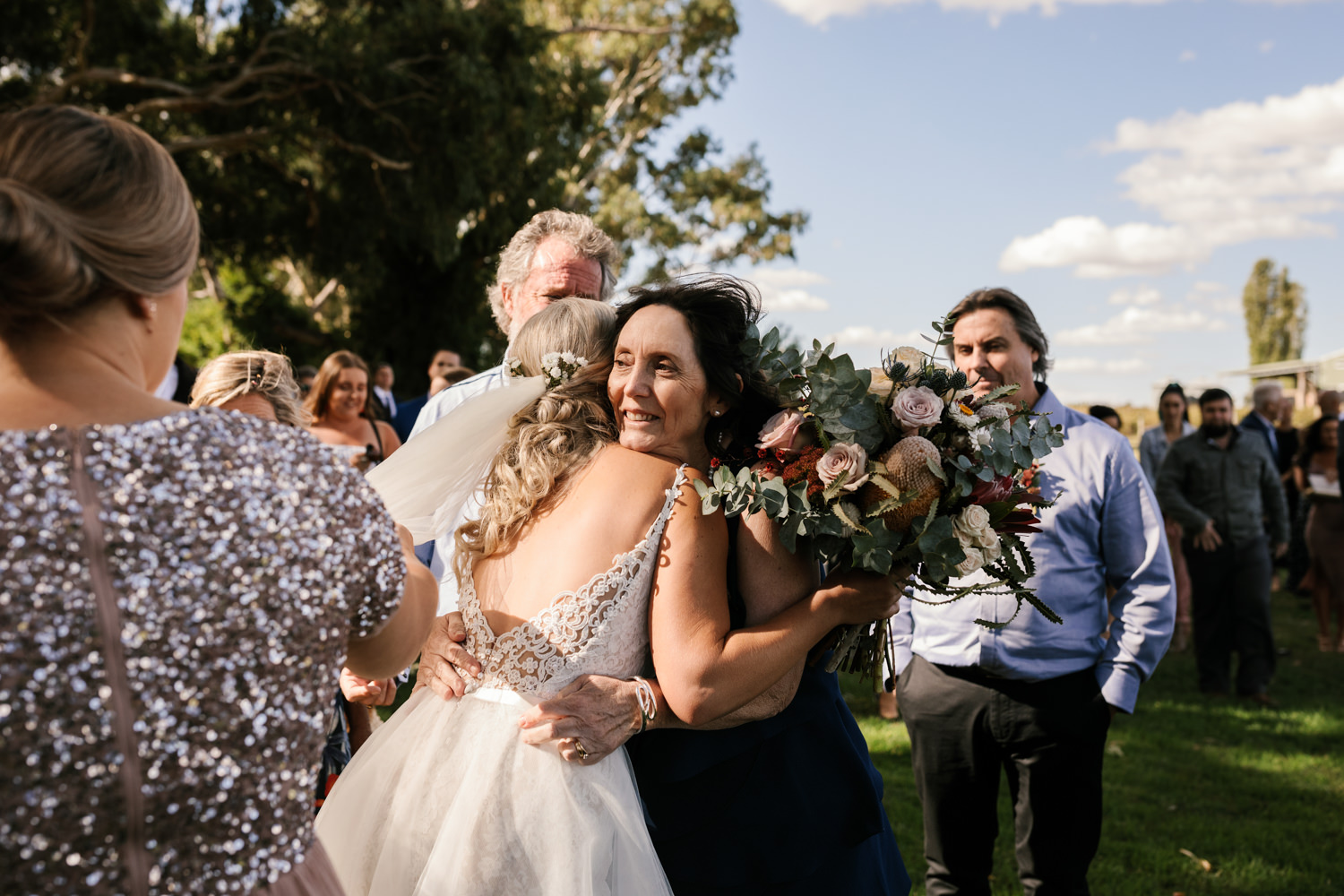 Erin_Latimore_Mudgee_Canberra_Wedding_Photographer_Lazy_River_Estate_Dubbo293.JPG