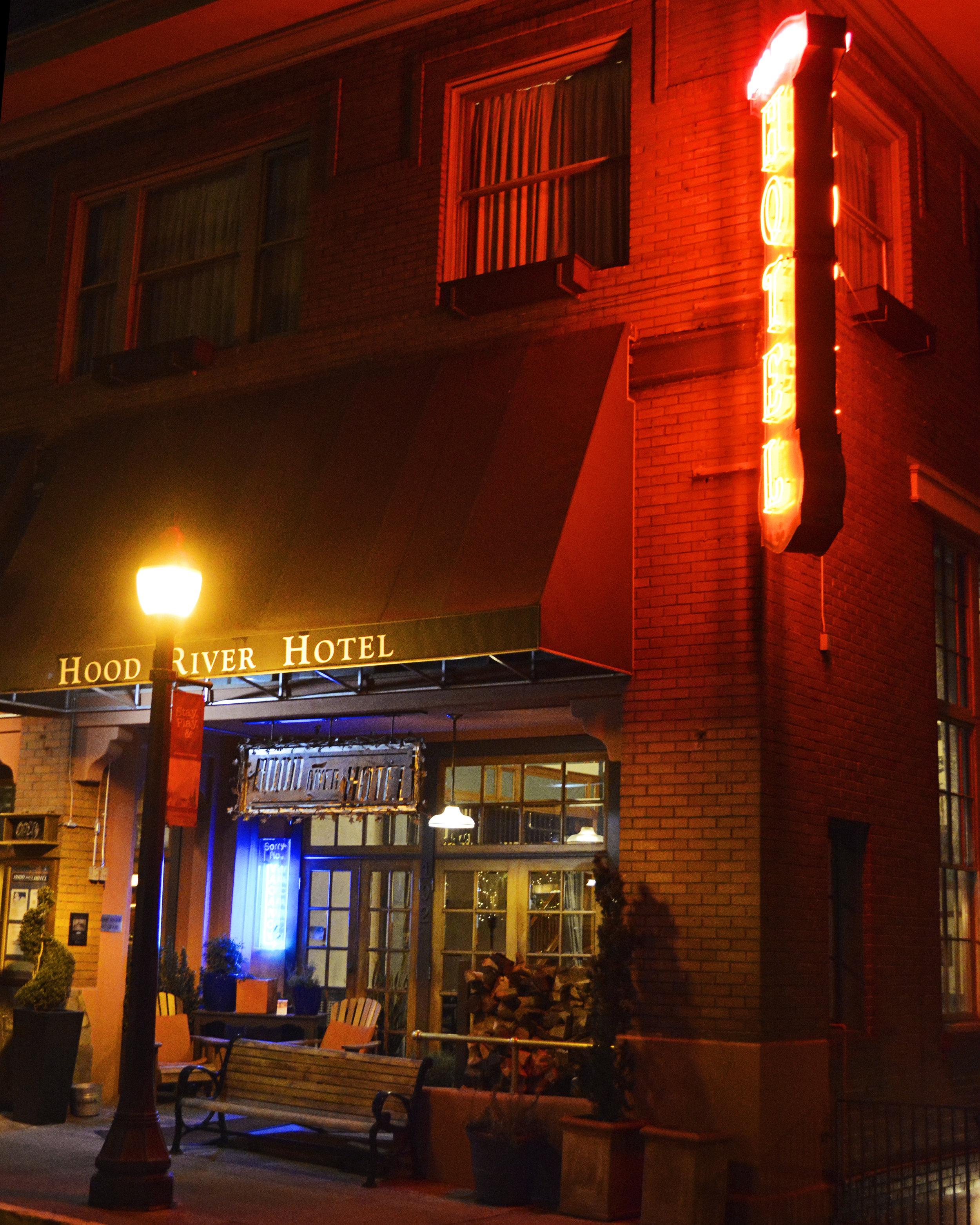 2 Hood-River-Hotel.jpg