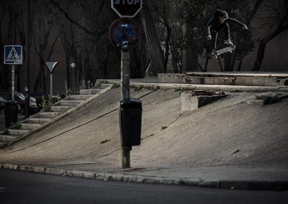 MADRID13_LemVillemin_ssFsPop into bank2.jpg