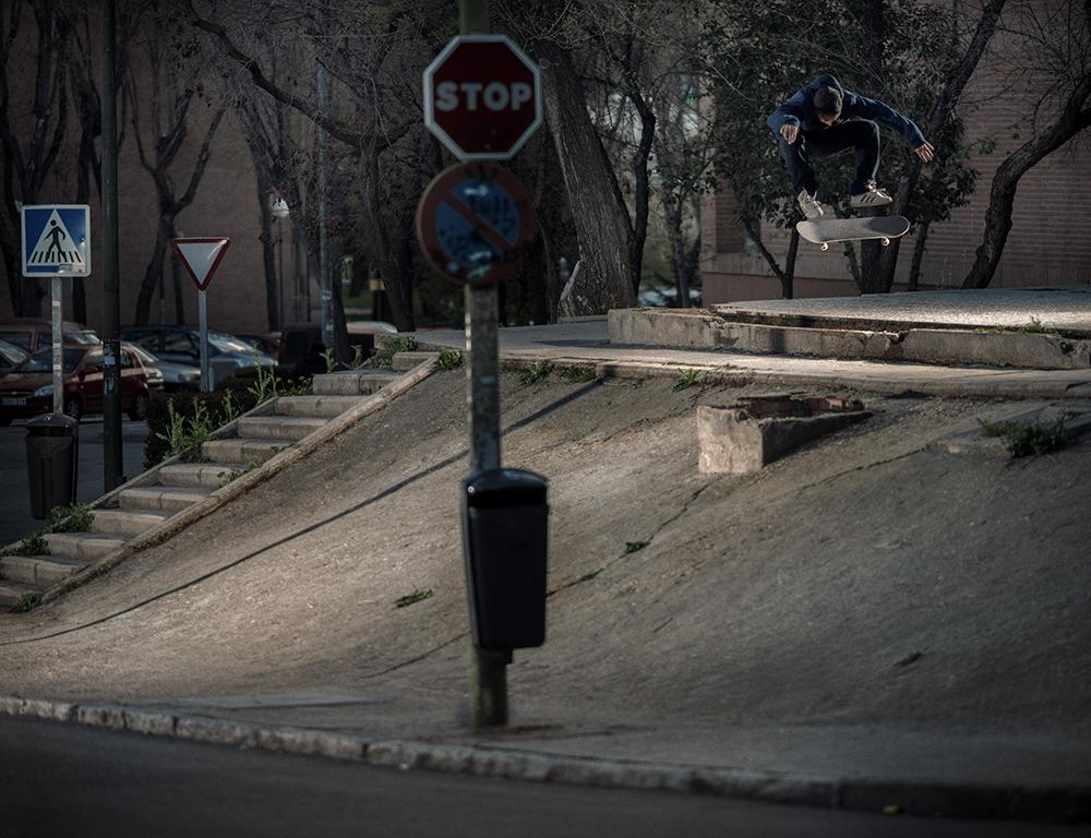 MADRID13_BennyFairfax_Nollie Flip into bank.jpg