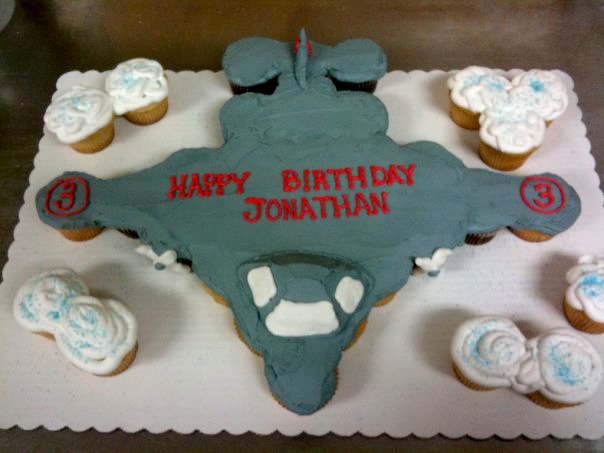 Airplane out of Cupcakes