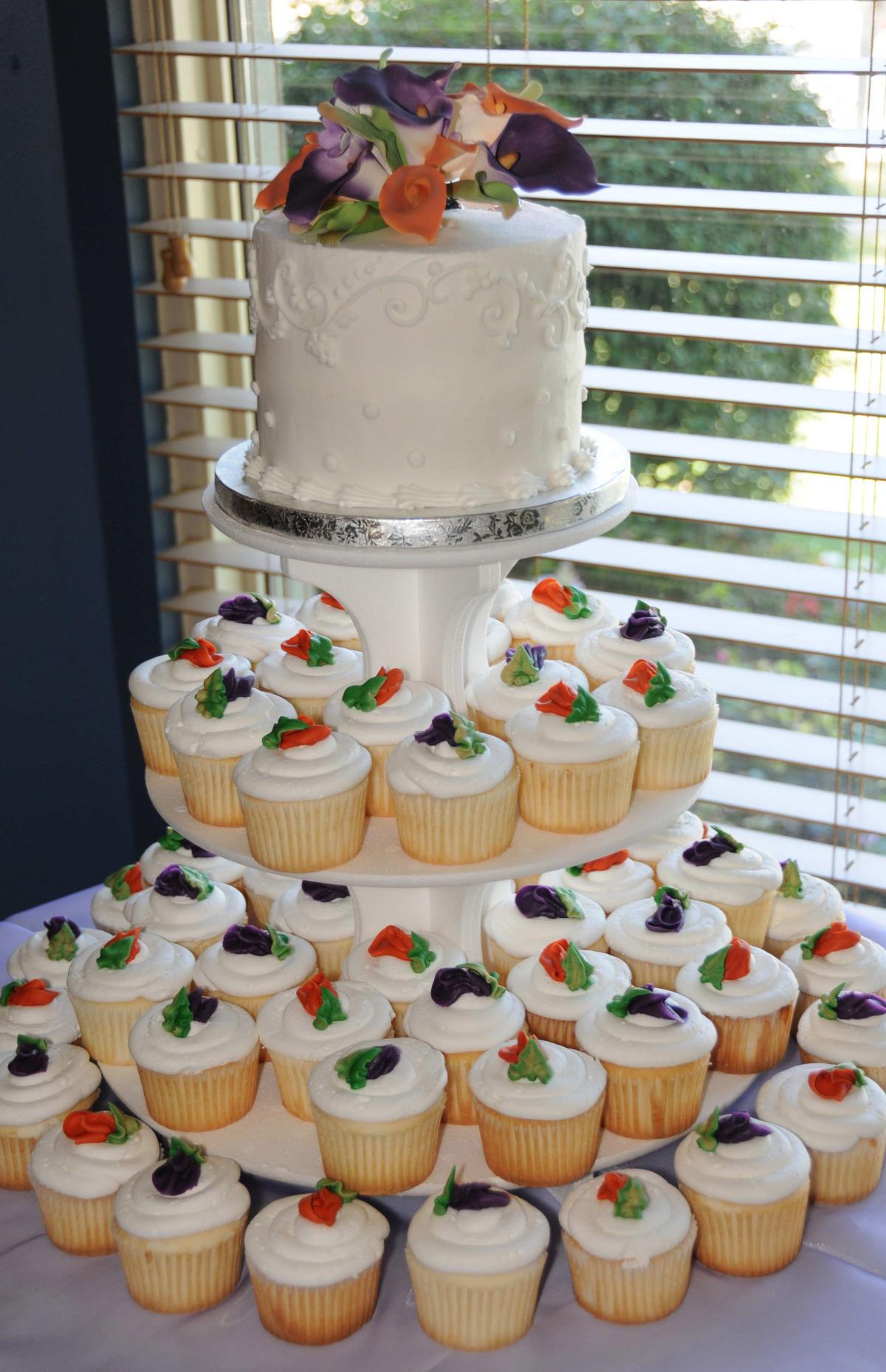 Rosebud Wedding Cupcakes