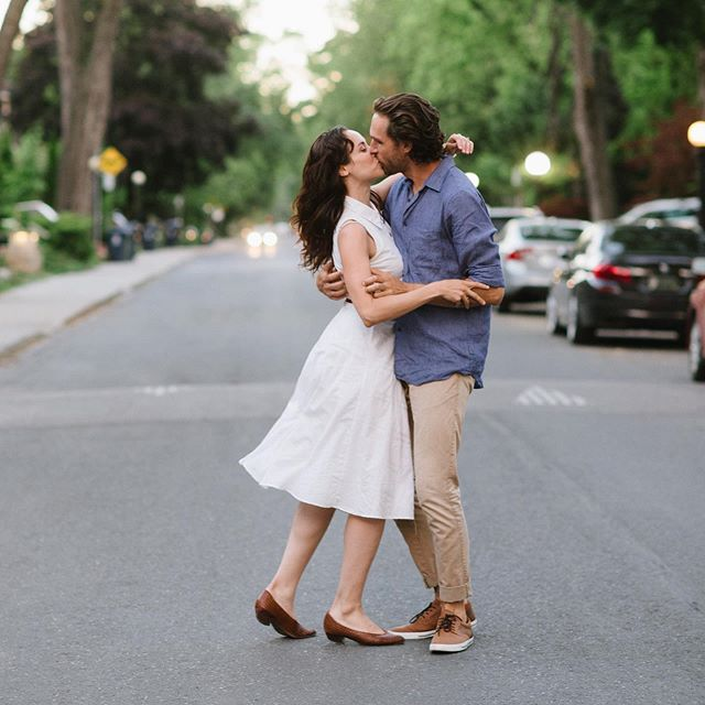 Sweet summer evenings and stealing a kiss in the middle of the street. What could be better? . Love you @victorypatterns & @timonwientzek 💕😍 . #celinekimphotography #momentsovermountains #engagementphotos #Nikon #torontoengagement #romance