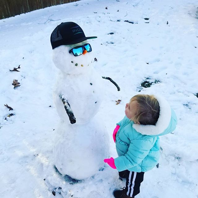 Making a snowman with my niece Isabella! #Iwantedtobuildthesnowman #shewasthereforsupport #fam