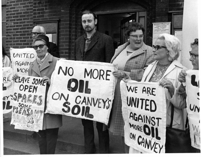 Protestors on steps outside Canvey Council Offices. (Echo Newsapers).jpg
