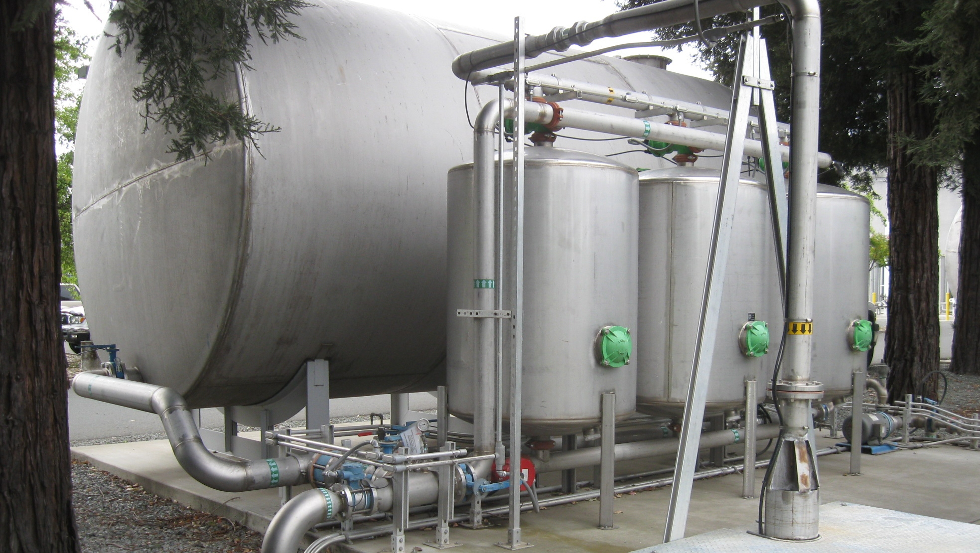 Chlorine removal with GAC for premium wine-making.