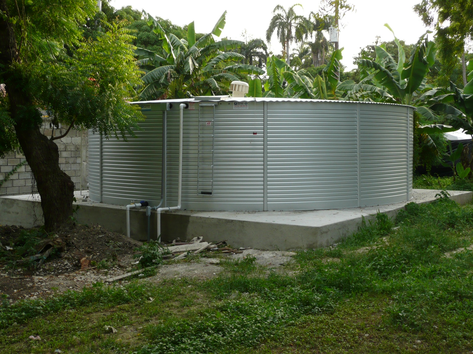 50,000 Gallon Storage tank for treated, pure water at Hopital Adventiste d'Haiti in Port-Au-Prince.