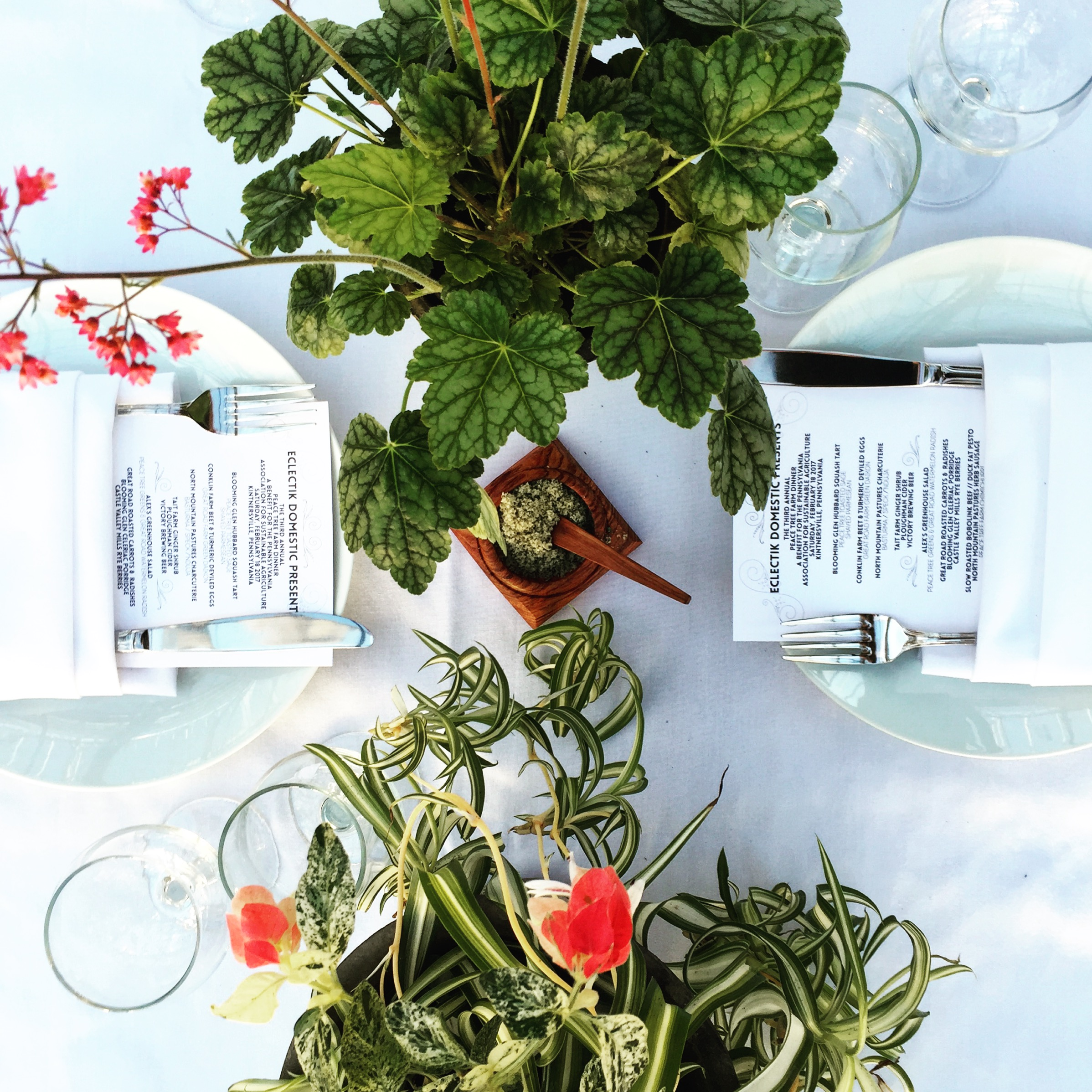 Table Scapes, arrangements by Candy Traven// Kintnersville, Pennsylvania