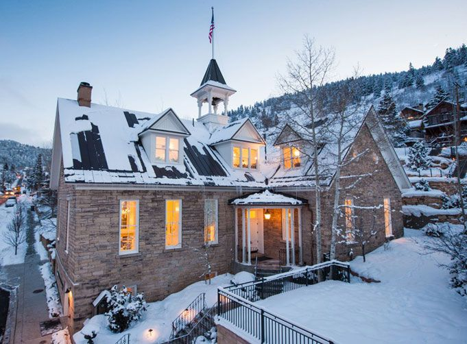 Hotel Hunting: Washington School House Hotel