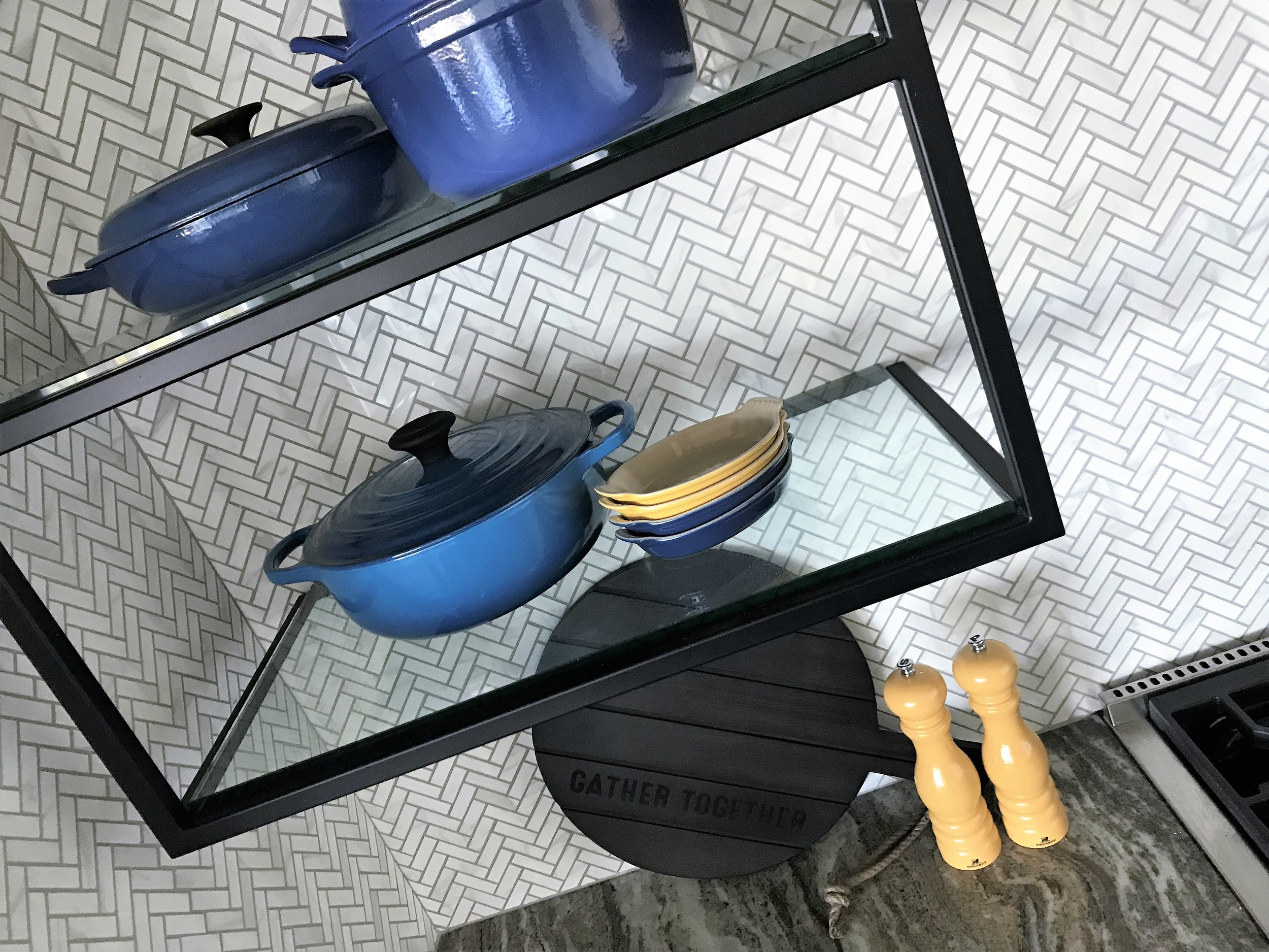 le CREUSET, curated