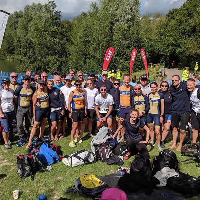 Southwater Park was a wash with Blue & Gold this morning as we were out in force for yet another fantastic event; the Southwater Relays. Everyone raced with smiles and our mixed vets team picked up a win! Well done to Owen, Rick and Chantie! Always a great event and well run by Horsham Amphibians Tri club.  @horshamamphibianstriathlon  @sallyhamiltonpt @daddybaresi #triathlon #southwaterrelays @triathlonenglandse @littleinholmes