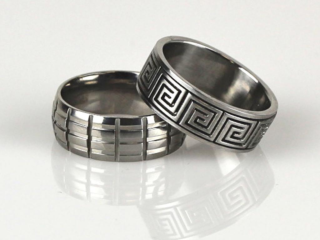 rings_men_2.jpg