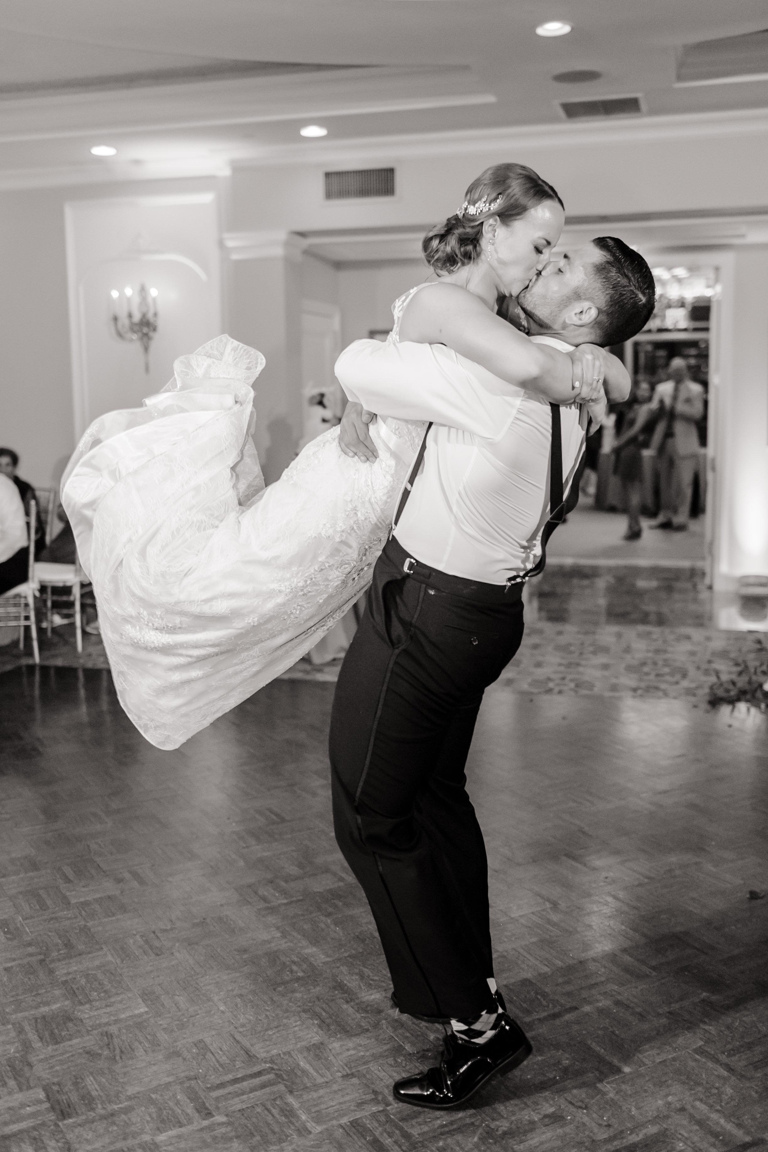 Love&LightPhotographs_Jennifer&Mark_Wedding_Preview-34.jpg