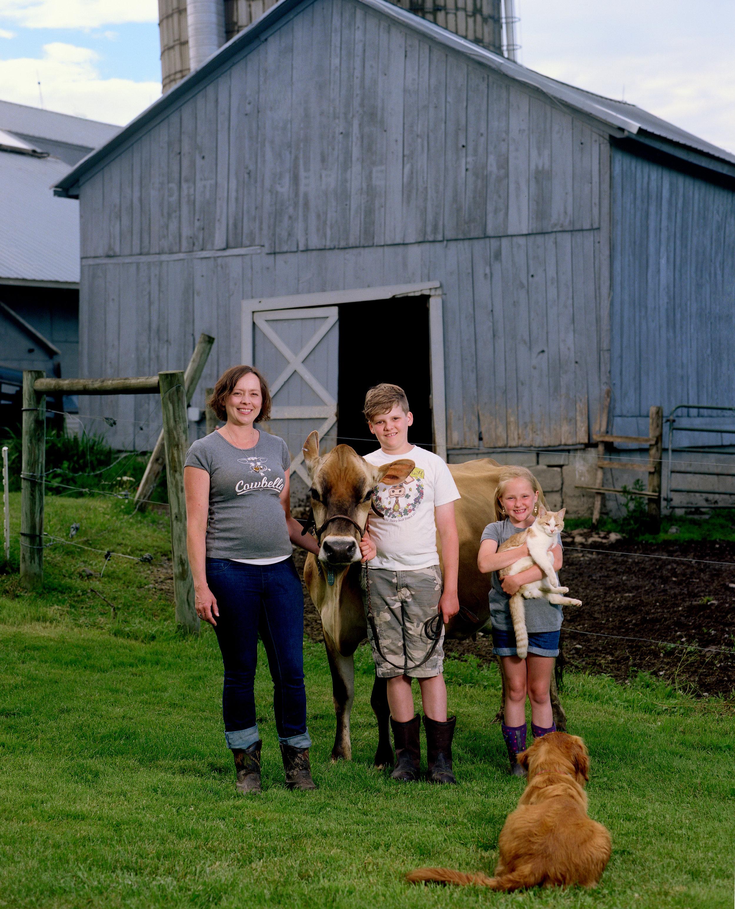cowbella-mom-group_srgb.jpg