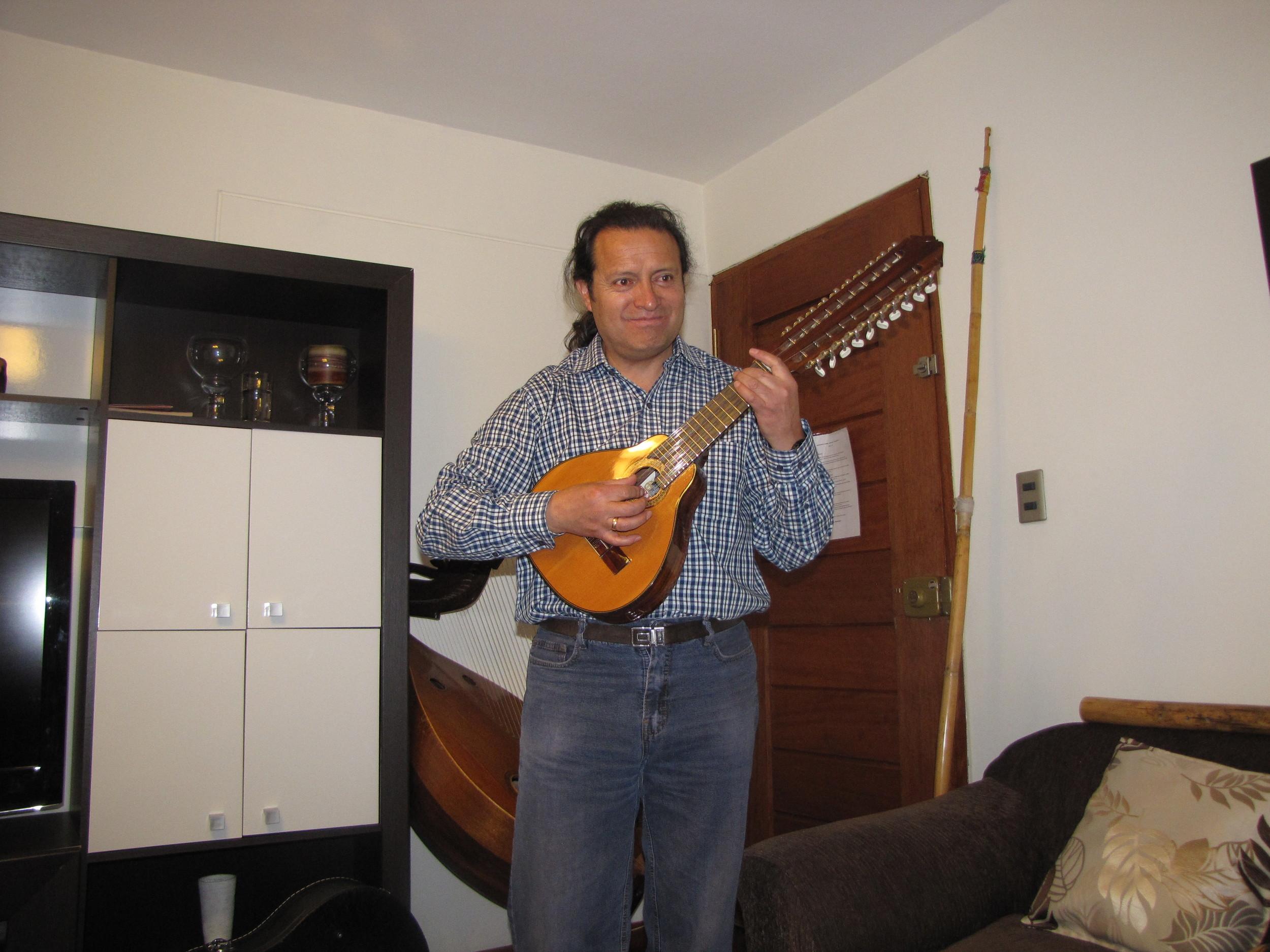 Playing the pachajchaki