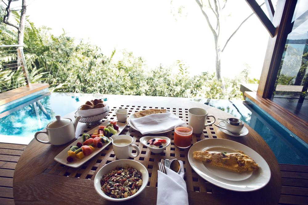 Tropical-Breakfast-Qualia-Hamilton-Island-Oracle-Fox.jpg