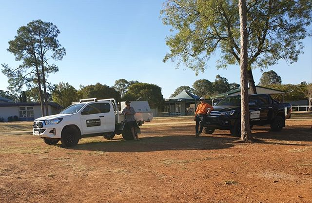 Quick chat after a long (warm) day working on a detail survey in Bray Park.  #surveyingaustralia #surveylife #surveyors #hilux #4x4 #trimblegeospatial