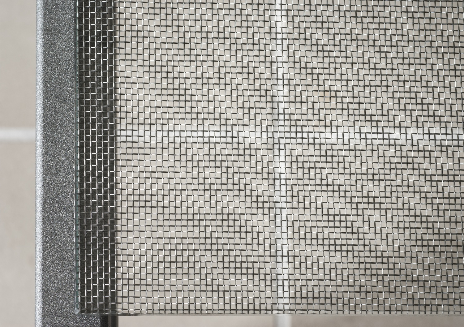 Another photo of the wire mesh glass