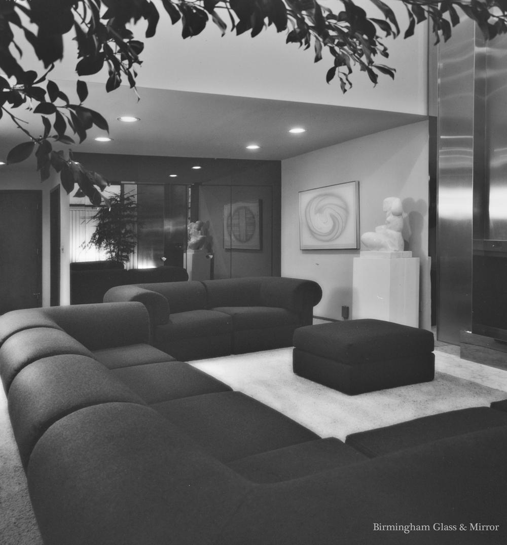 Glass+for+a+modern+interior+by+Birmingham+Glass+&+Mirror.jpg