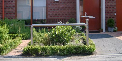 0915-bikestand.jpg