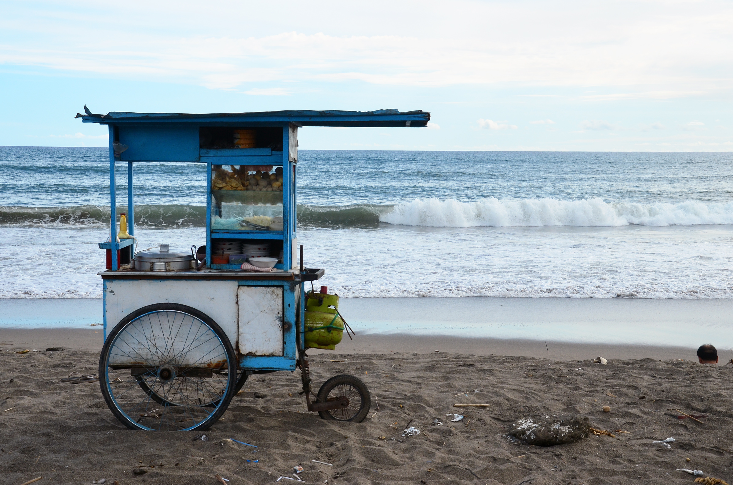 Food cart by the sea
